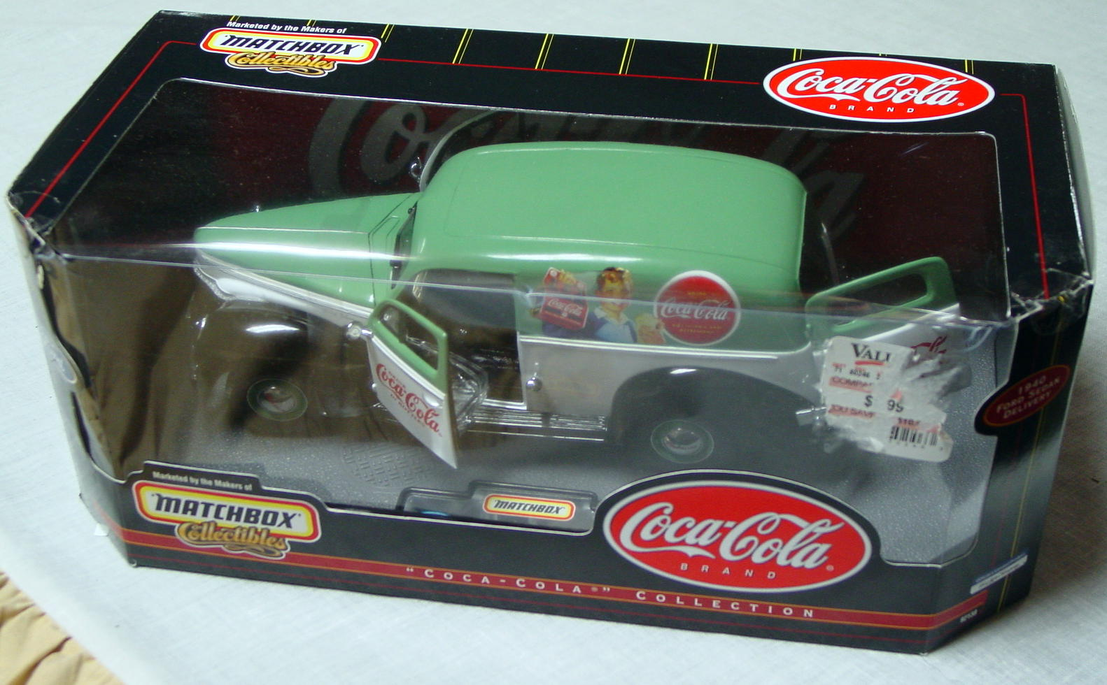 1_18 Scale - MATCHBOX 40 Ford Sedan Del COKE pale green and white