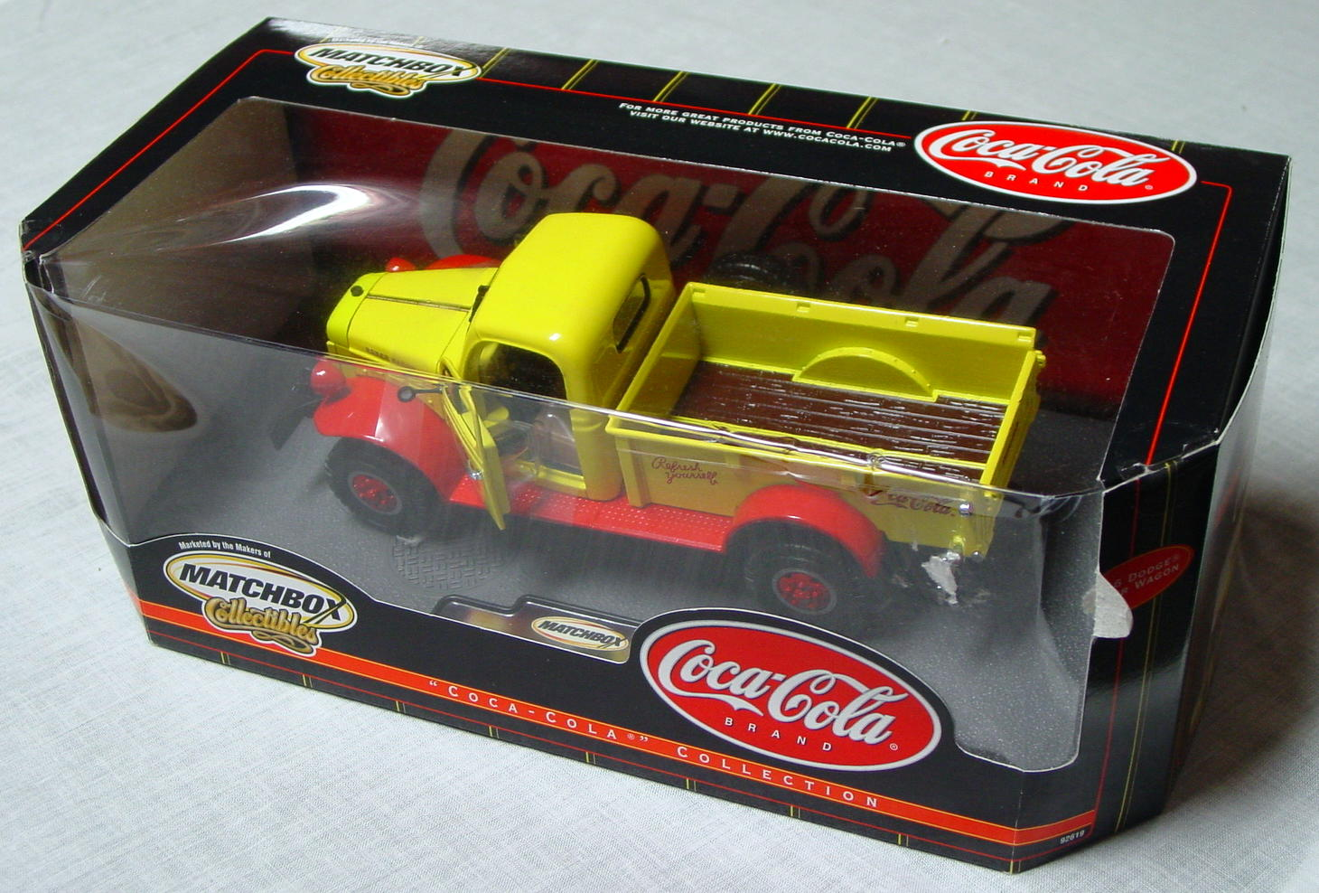 1_18 Scale - MATCHBOX 46 Dodge Power Wagon Coke yellow and Red