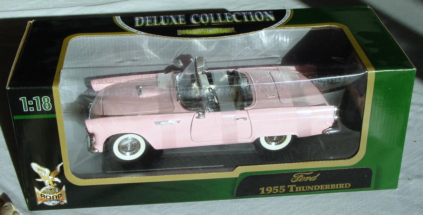 1_18 Scale - YATMING 1955 Thunderbird Pink