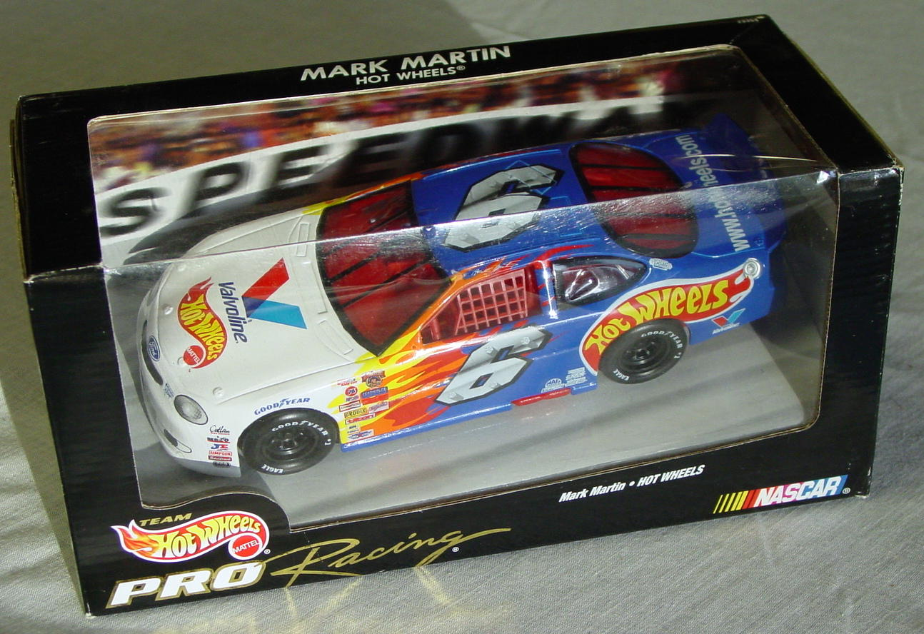 1_24 Scale - HW Mark Martin 6 Valvoline