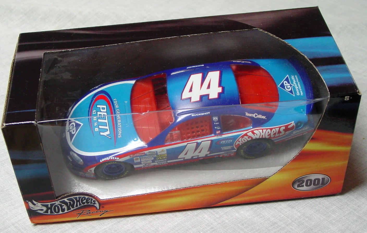 1_24 Scale - HW Richard Petty 44 Blue/lt Blue