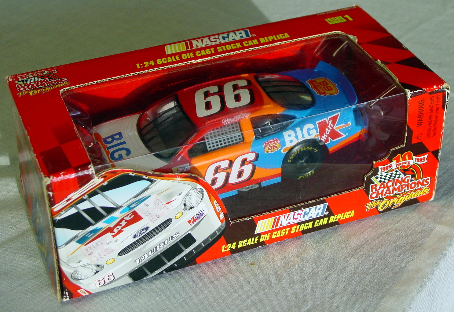 1_24 Scale - RC Big K stocker Darrell Waltrip 66