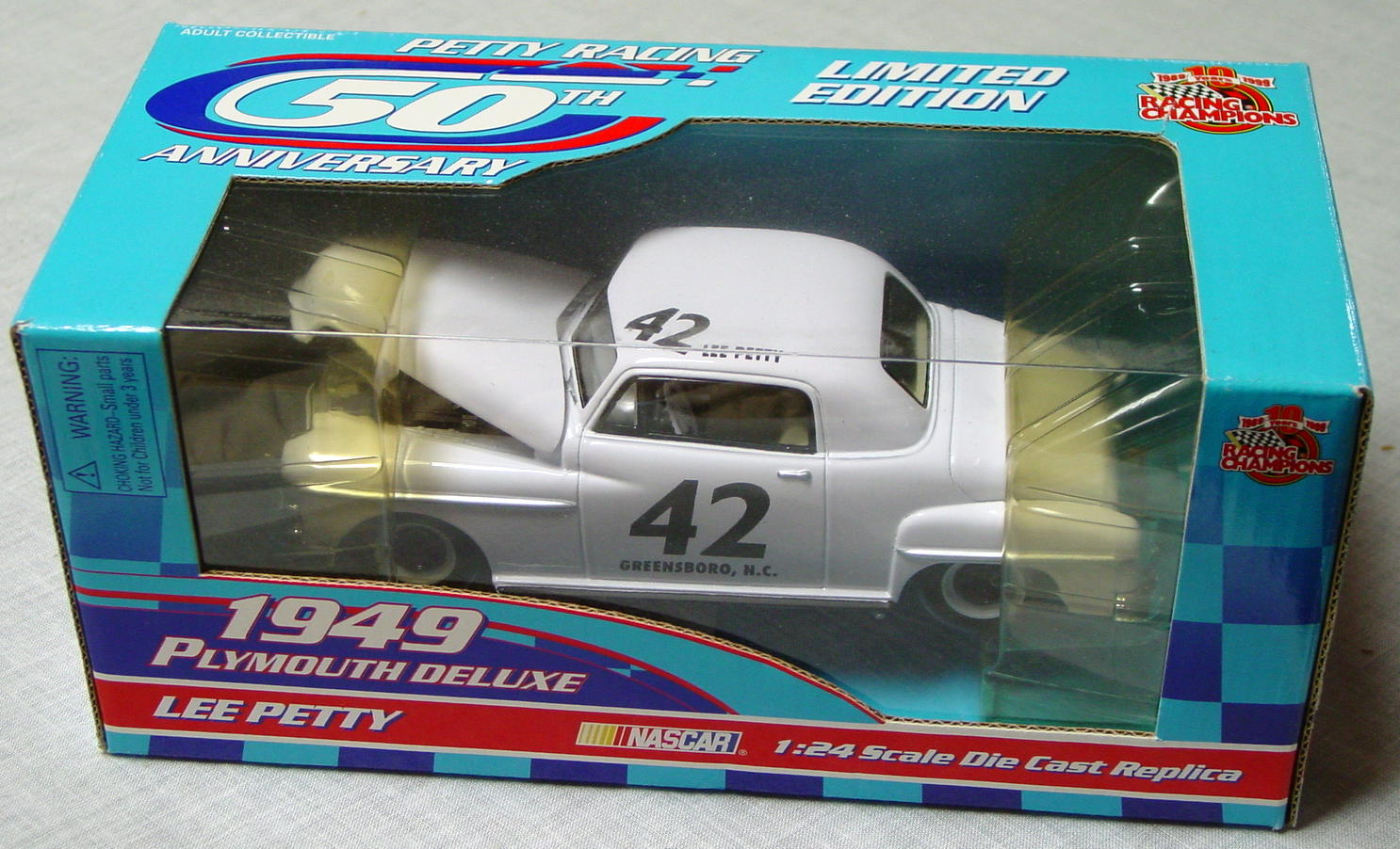 1_24 Scale - RC Lee Petty 49 Plymouth Deluxe White