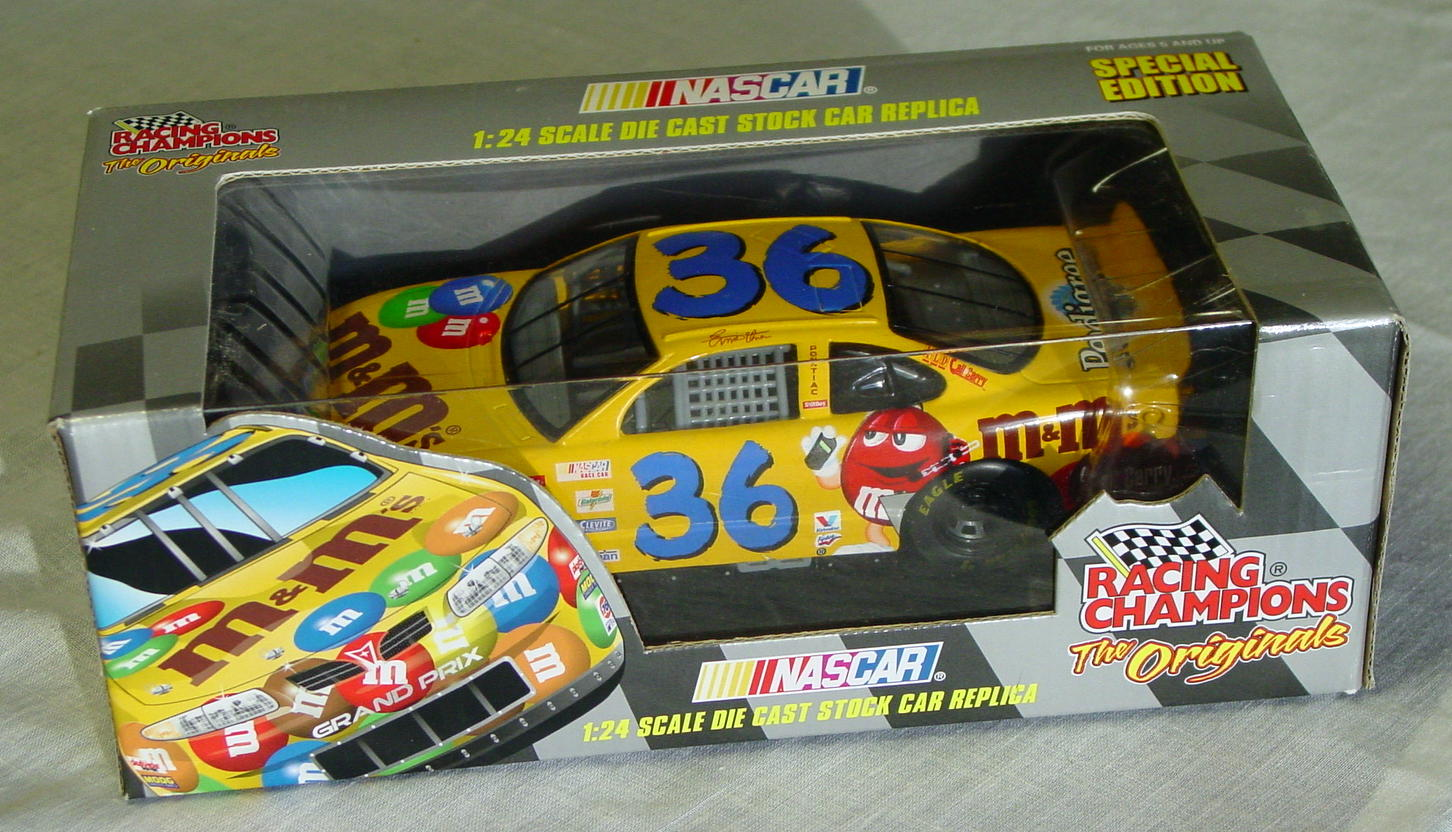 1_24 Scale - RC M&Ms stocker Chase