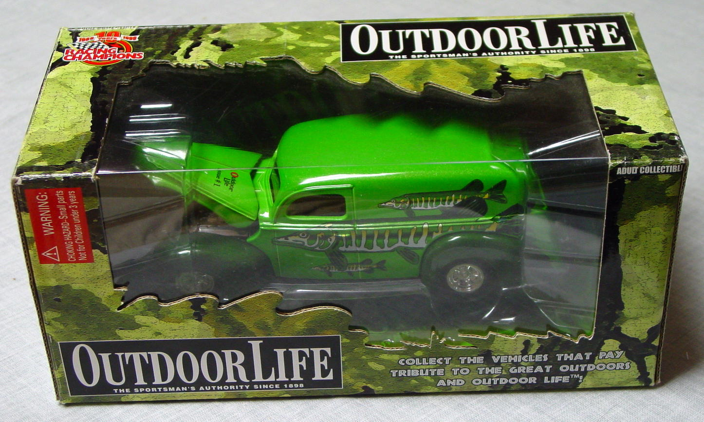 1_24 Scale - RC Outdoor Life Green Panel Truck