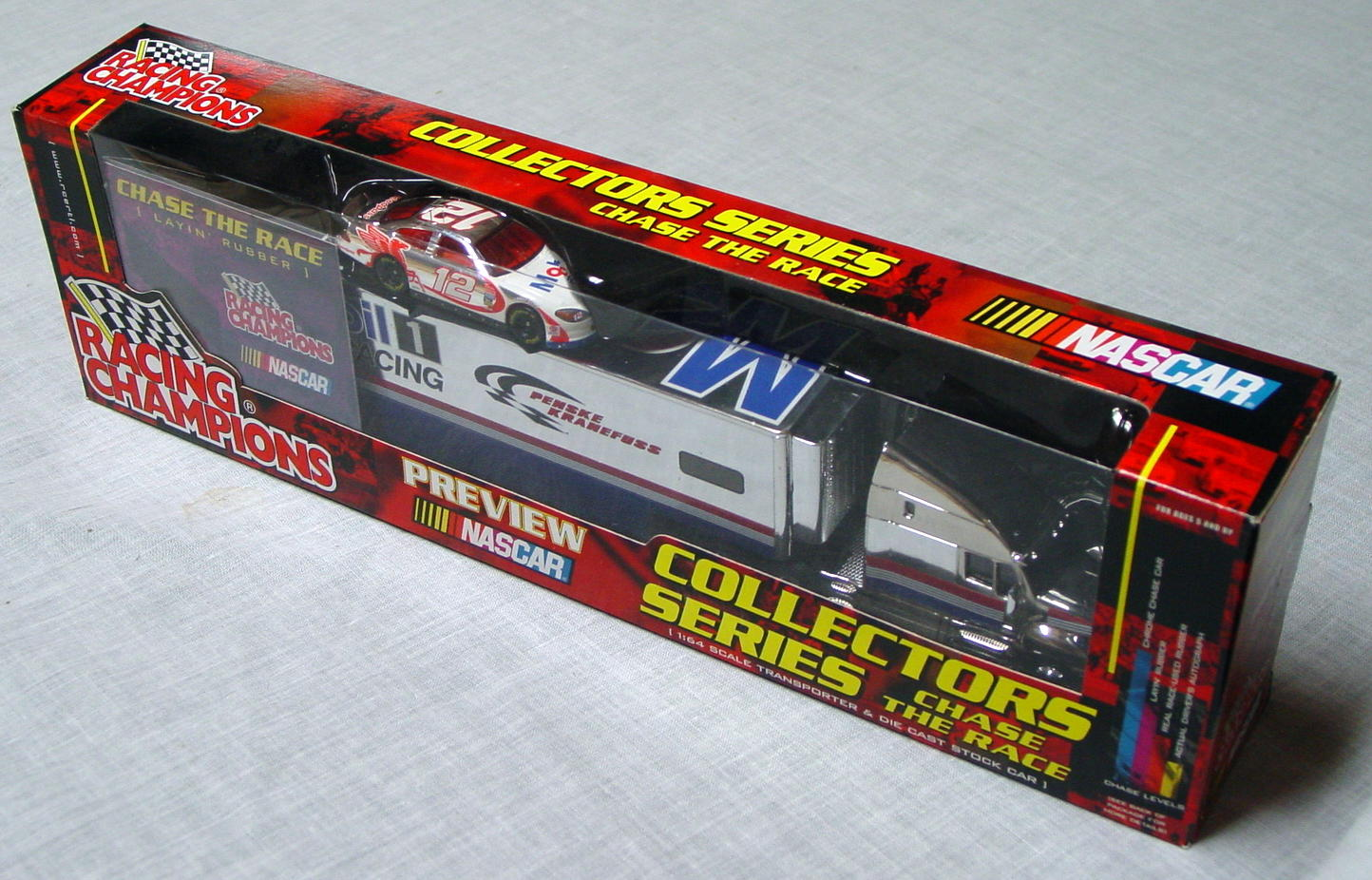 NASCAR 64 - RC Transporter LAYIN RUBBER 12 Mobil 1 Racing