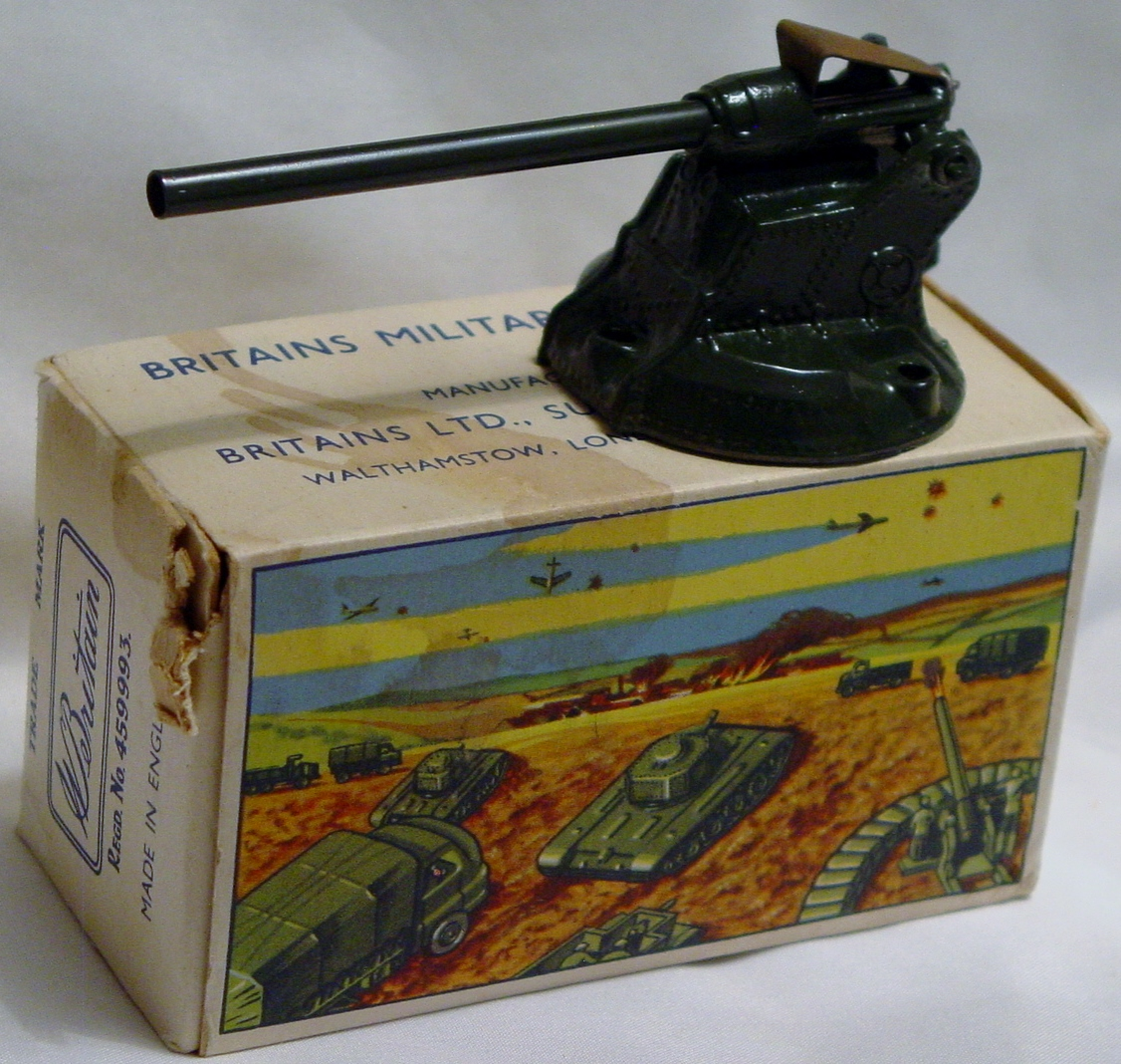 43 - BRITAINS 2LB 40mm AA Gun with instructions C8 box