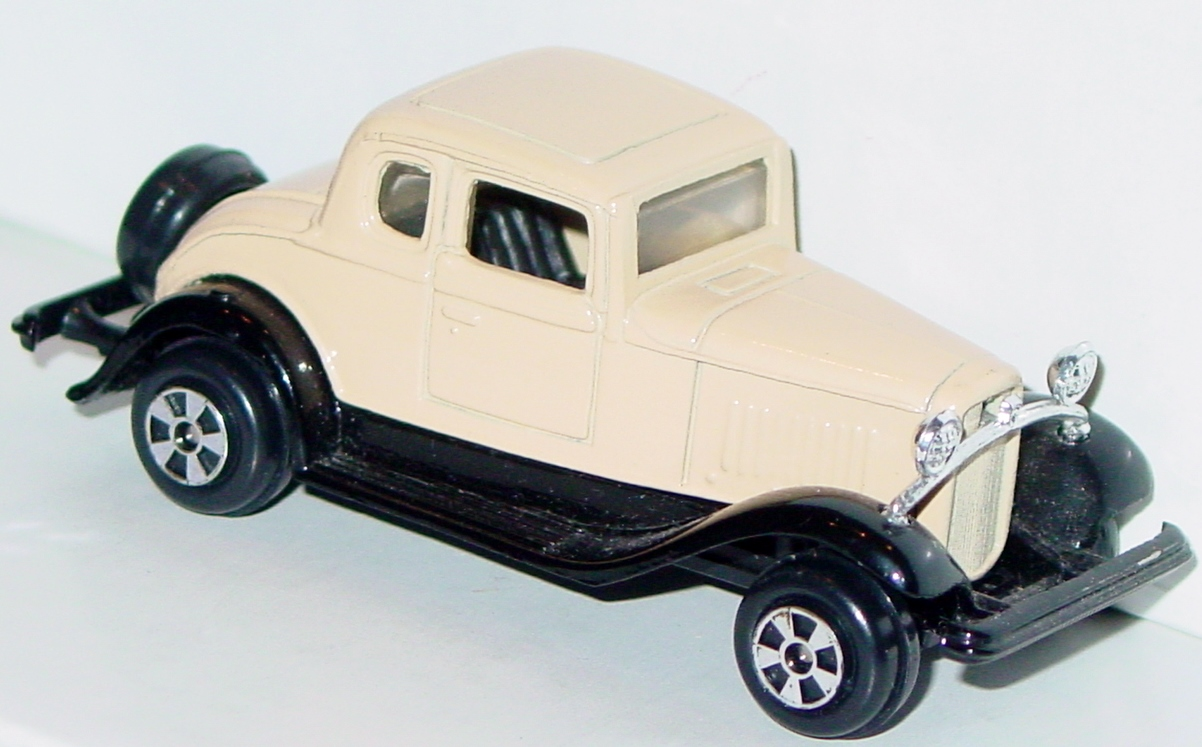 64 - ERTL REPLICA 25 32 Ford Coupe tan/brown