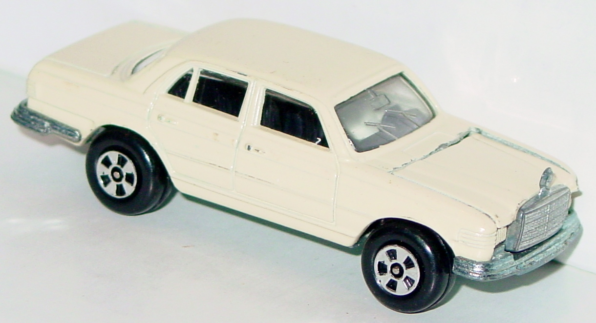 64 - ERTL REPLICA Mercedes 450SE Cream met base two slight chips