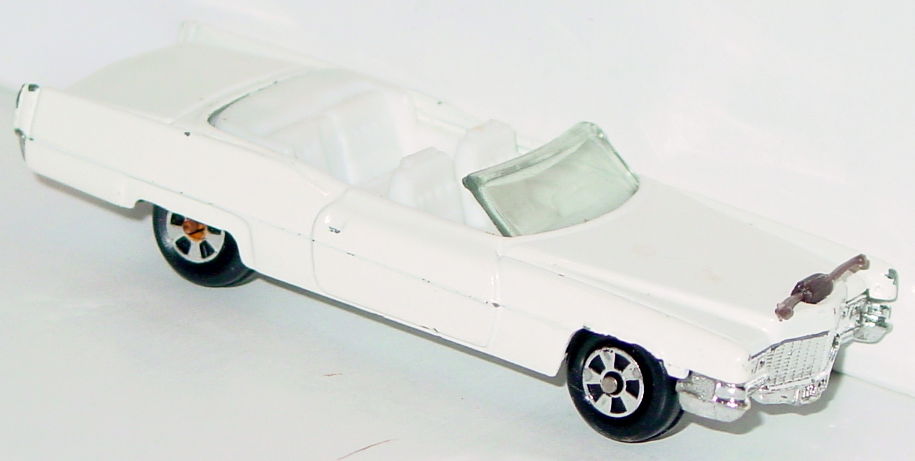 64 - ERTL REPLICA Caddy Boss Hogg white