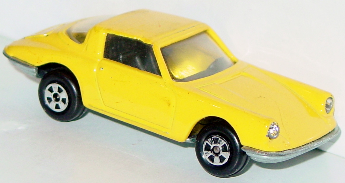 64 - ERTL REPLICA Porsche 911 Yellow met base