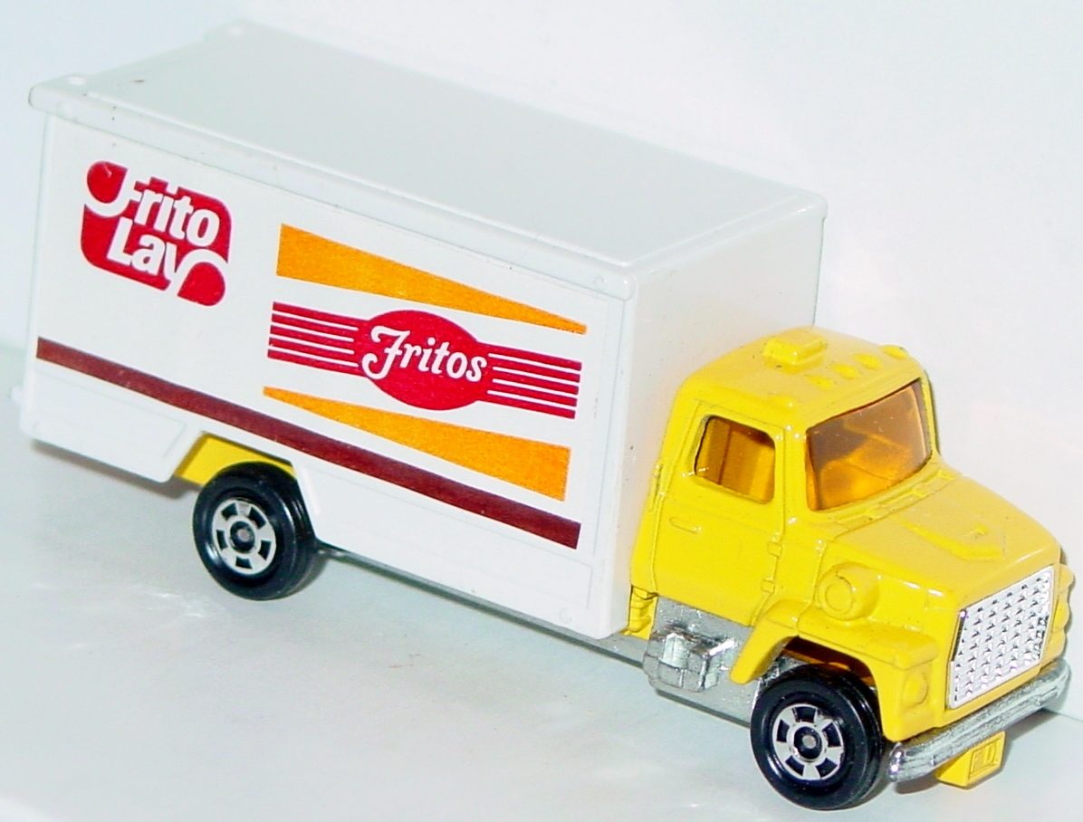 64 - TOMICA F62 Ford Truck Frito Lay