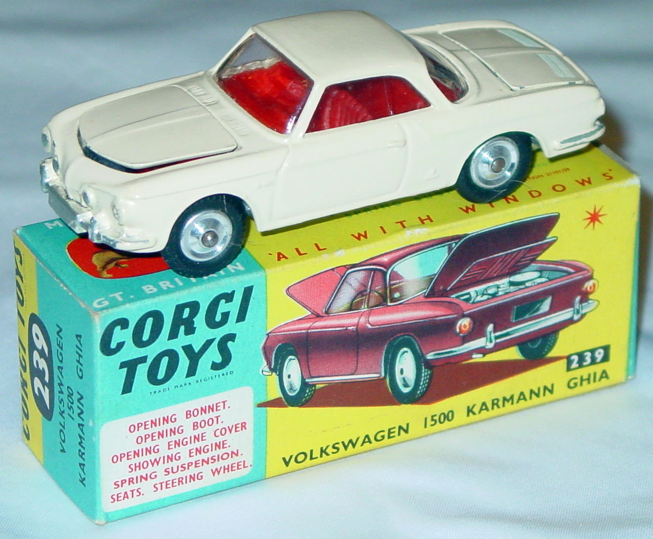 Corgi 239 - VW Karmanniversary Ghia Cream C9.5 box