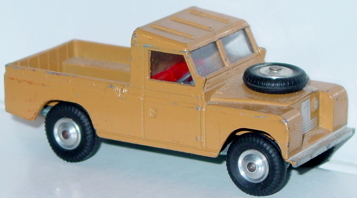 Corgi 438 A - Land Rover lighter Tan -cover