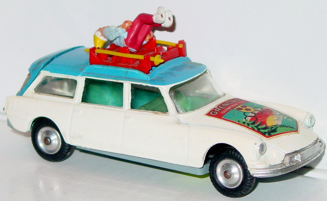 Corgi 499 A - Citroen Safari White -skis 68 Grenoble