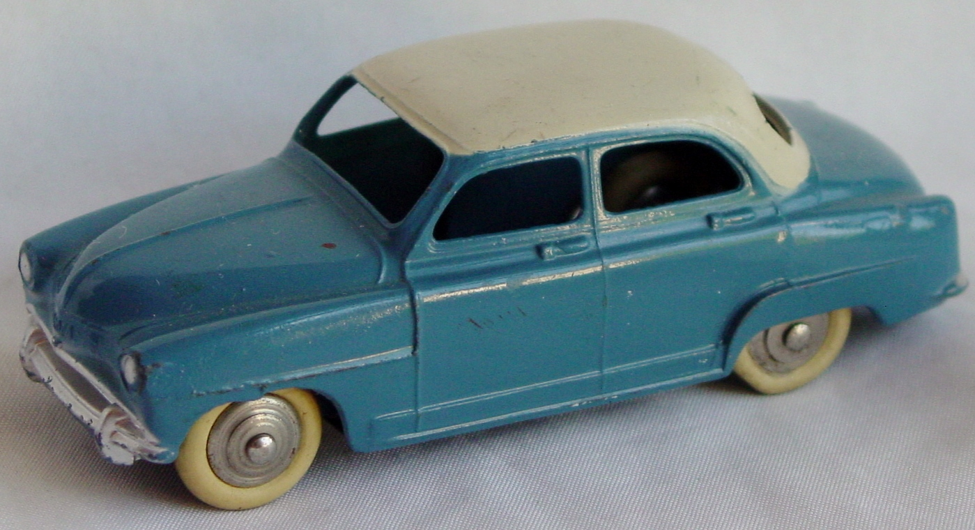 Dinky 24 U - Simca 09 Aronde med Blue and Ivory roof