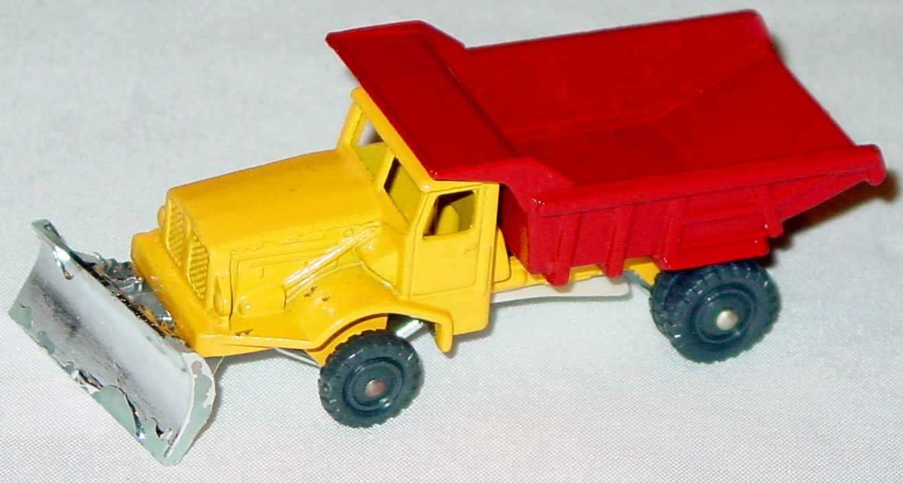 Husky-Corgi Jr 16 A 1 - HUSKY Dumper/Plow yellow and red chrome flakes on plow