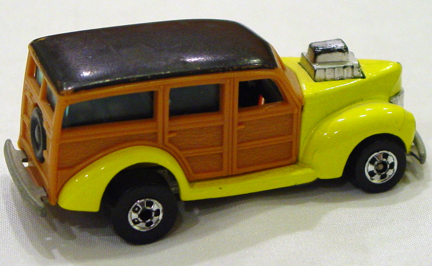 Blackwalls 1131 D 2 - 40s Woodie Yellow HiRaker