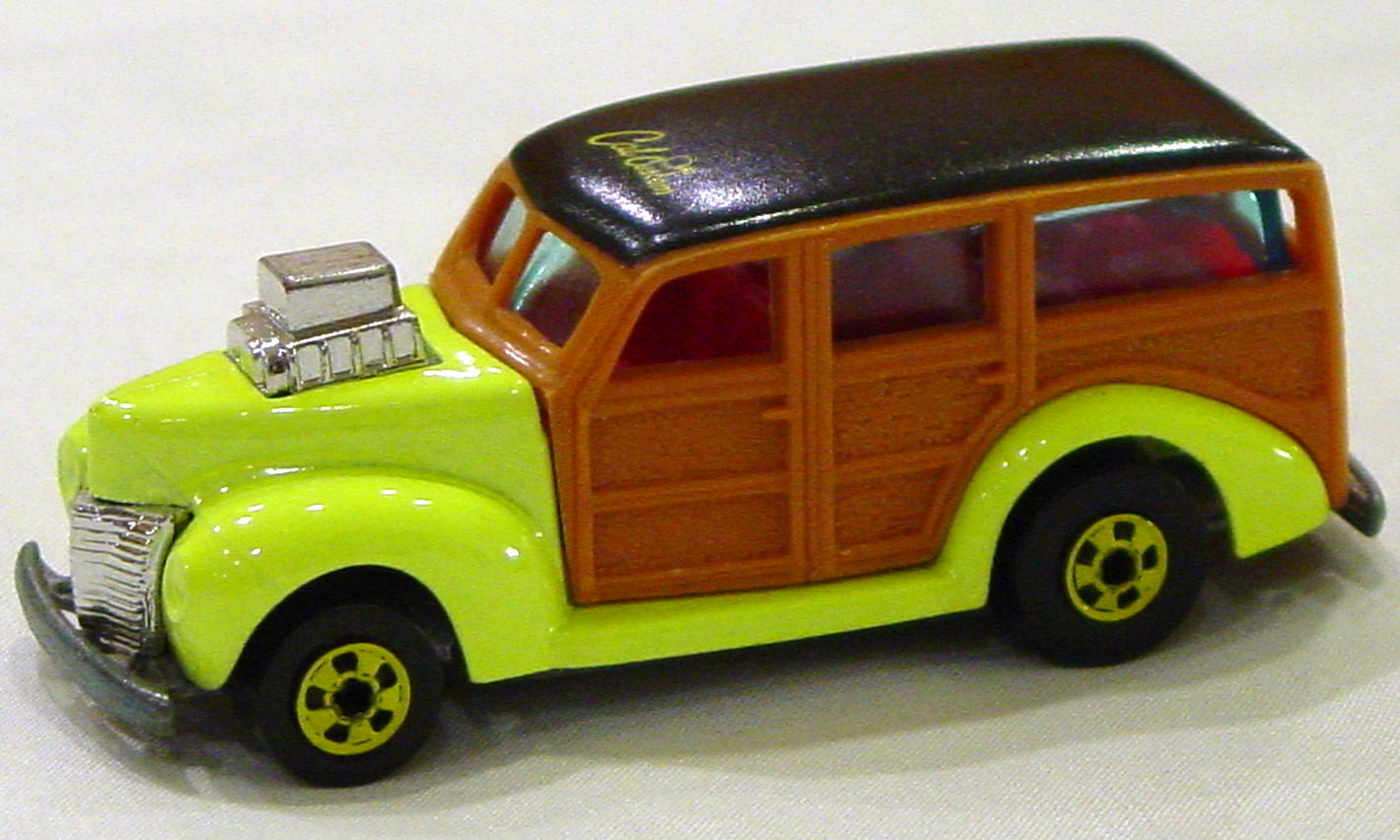 Blackwalls 1131 F 2 - 40s Woodie brit Yel-green pink interior BWY Cal Custo