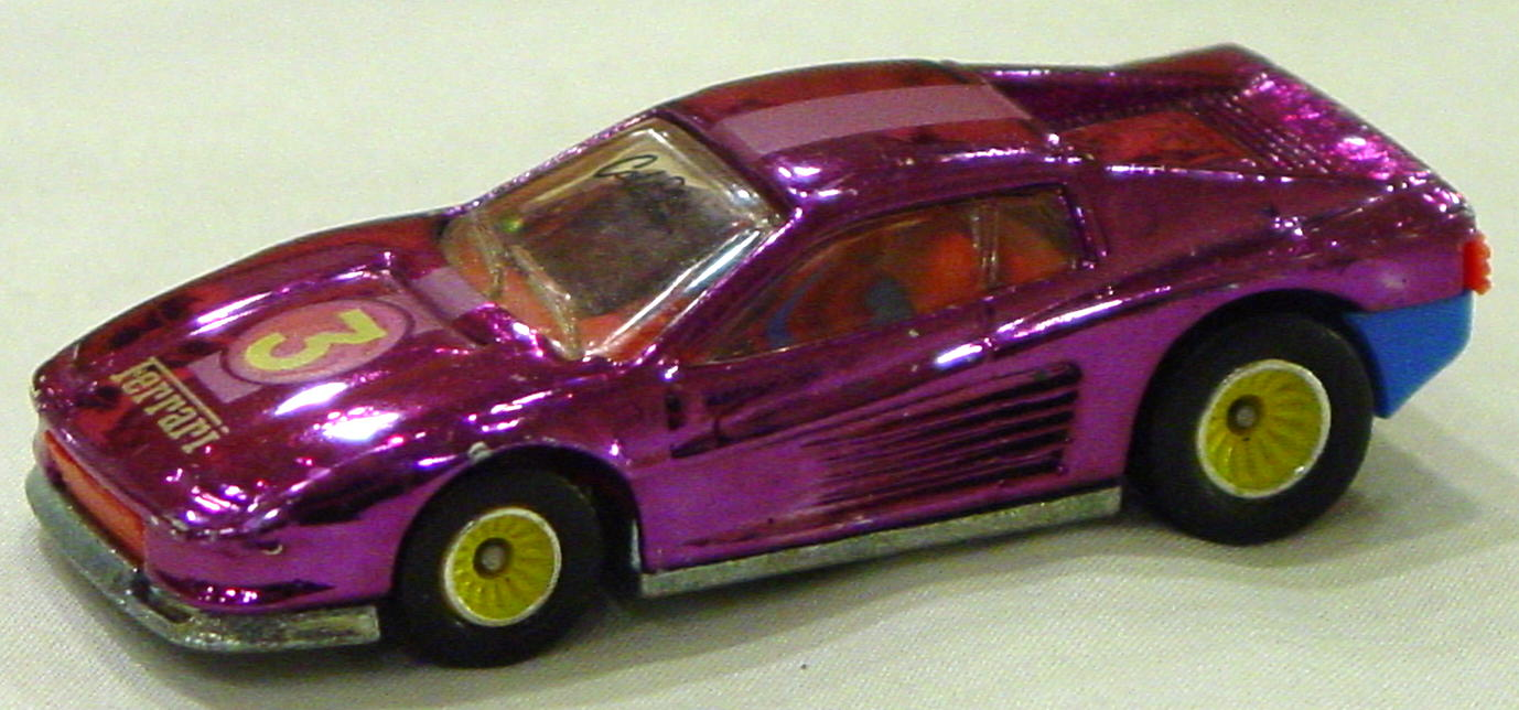 Blackwalls 1302 J - Ferreri Testarossa Chr-Magenta 3 Real Riders yellow Cal Custom