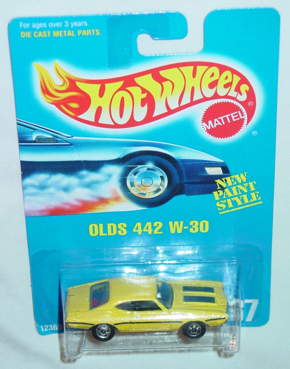Blackwalls 12360 - 267 Olds 442 W-30 Yellow black wheels C9.5