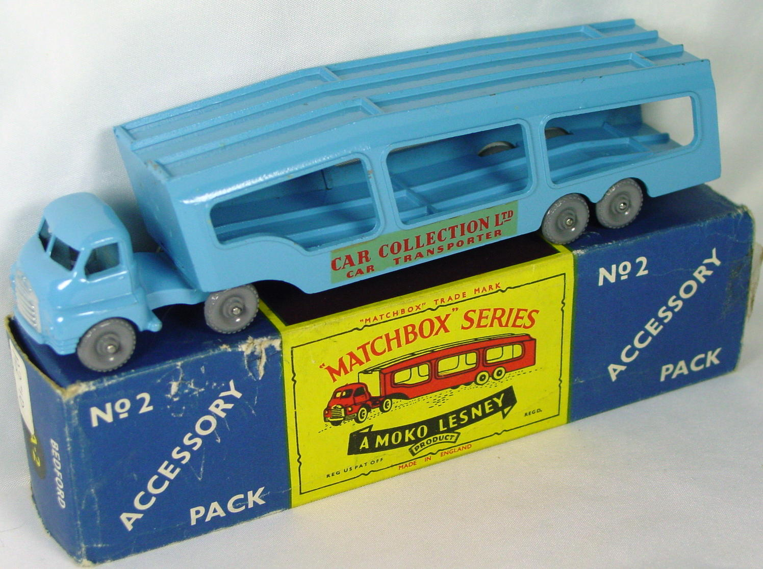 Matchbox 02 A 2 - Transp GW crimped axles red lets 3 chip C8.5 Moko-1flap with tape