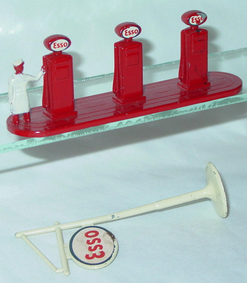 Matchbox 01 A 1 - Esso Pumps/Sign -1 small decal