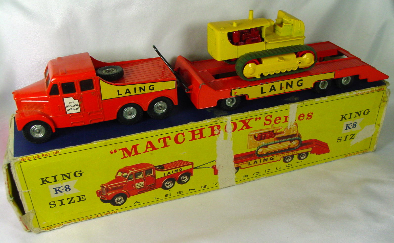 King Size 08 A - Prime Mover/trailer/dozer silver and red hubs C7 early picbox