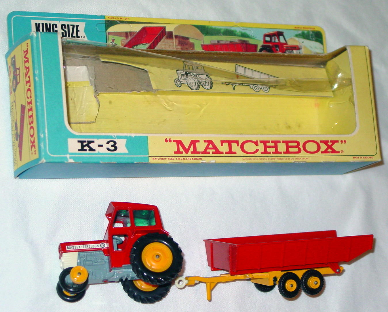 King Size 03 C 1 - Massey Tractor/trailer C9 window box