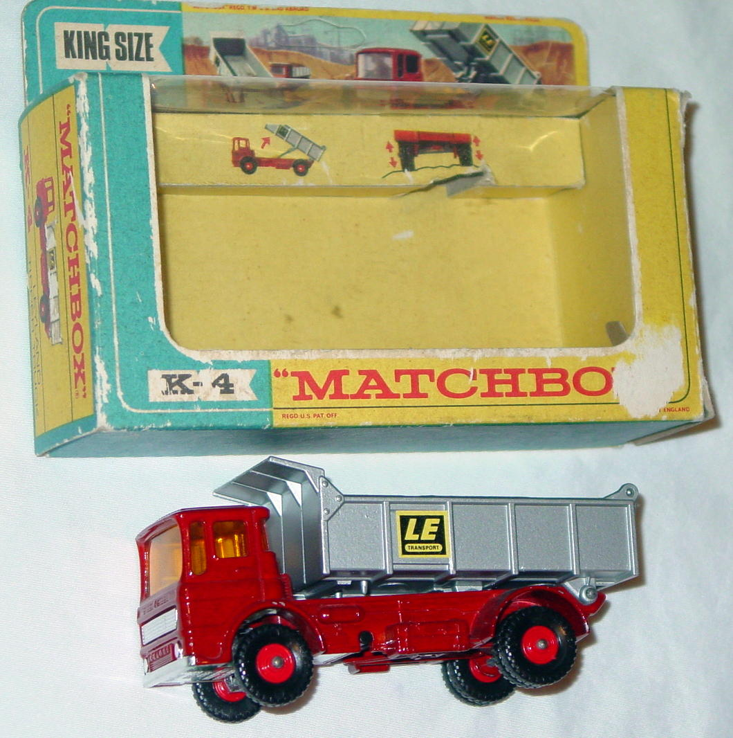 King Size 04 C 1 - Leyland Tip Red and silver LE Transport 3 chips C8 box