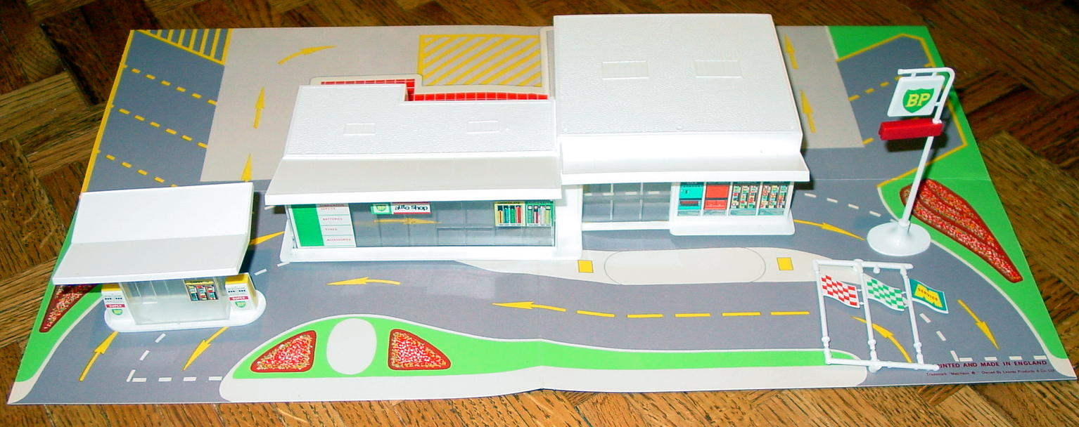 Matchbox 01 C 1 - MG1C1 BP Station with forecourt C9.5 box