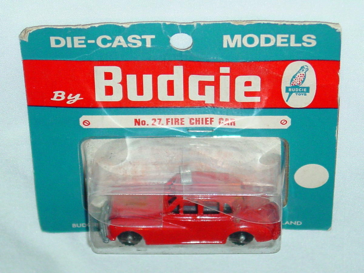 72 - BUDGIE 27 Fire Chief Car light Red
