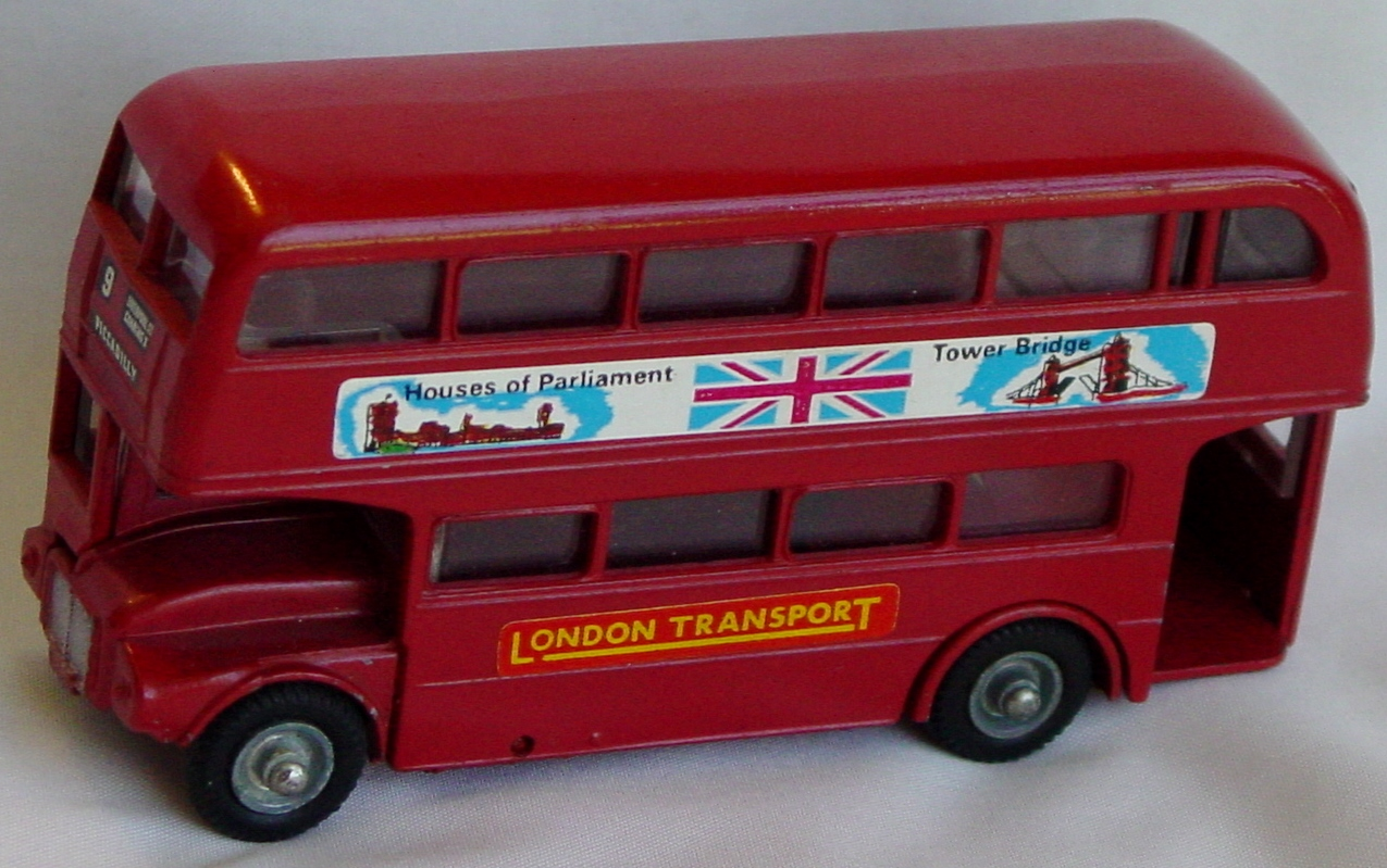 43 - BUDGIE 236 AEC Bus Red Parliament 3 chips