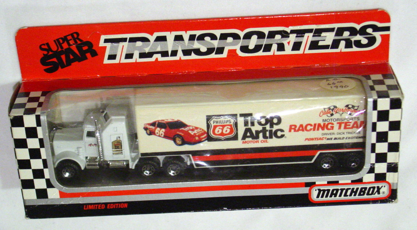 Convoy 104 A 14 - Kenworth Sup transp White Trop Artic Dick Trickle WR