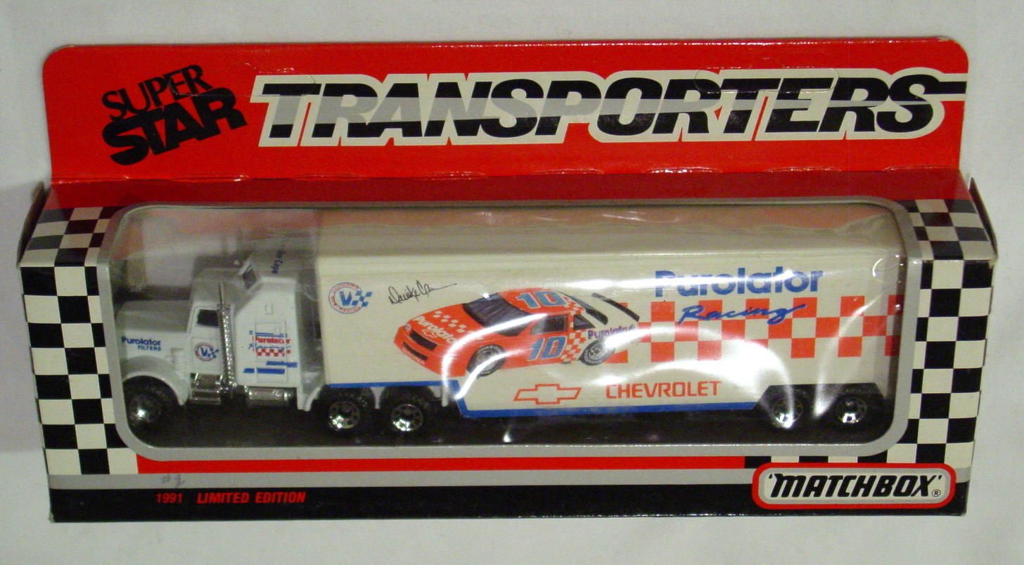 Convoy 104 A 30 - Kenworth Sup transp White Purolater orange car WR