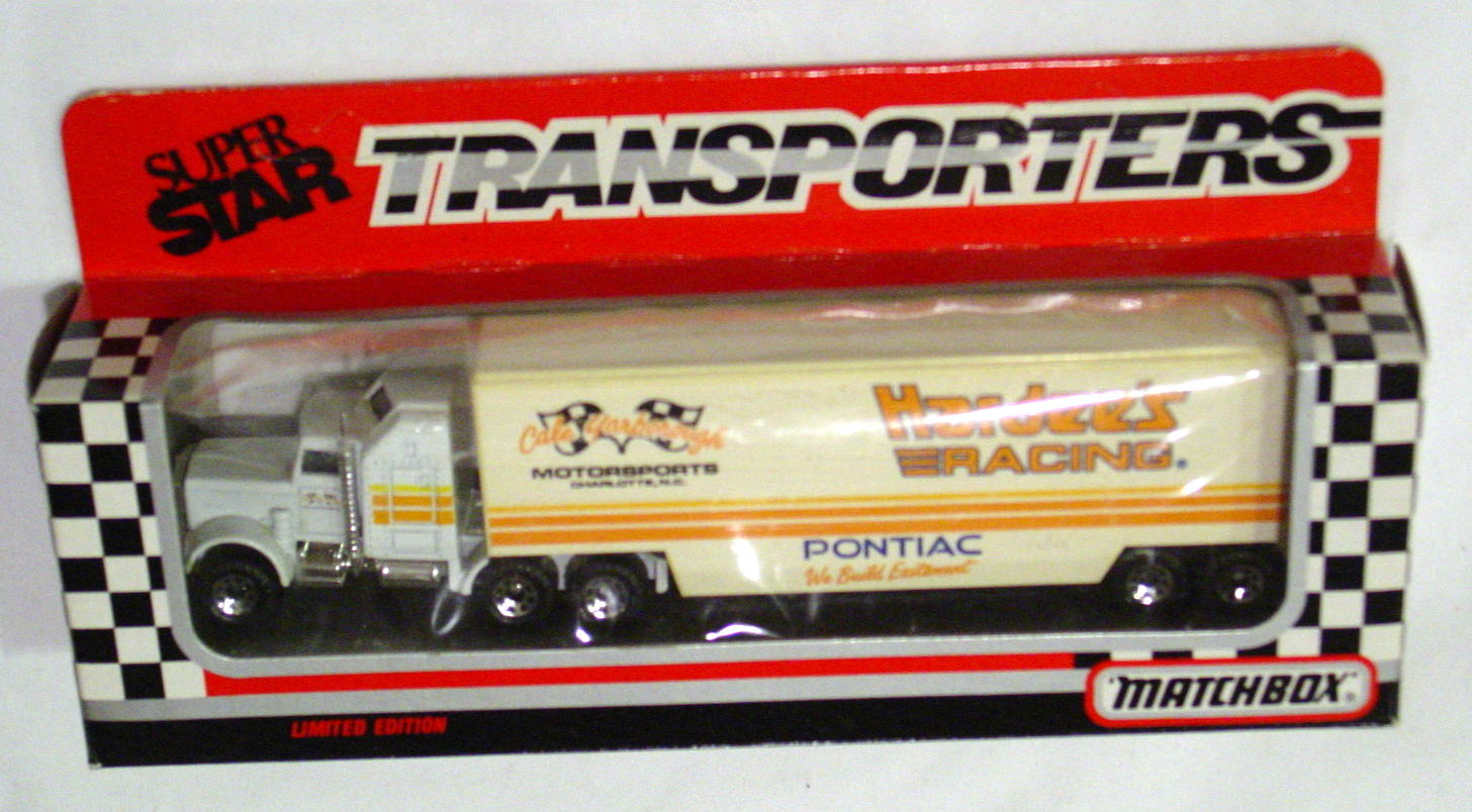 Convoy 104 A 3 - Kenworth Sup transp White Hardees Racing WR