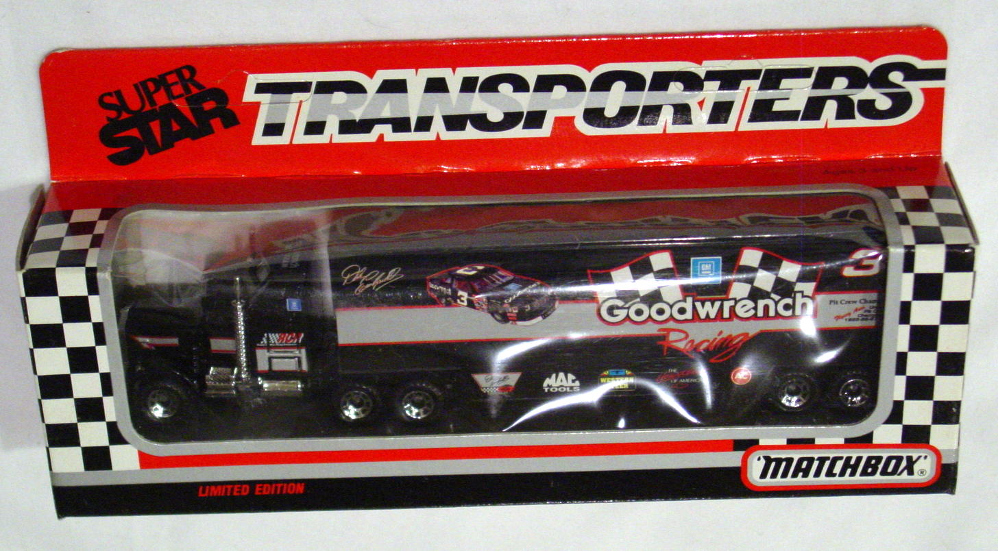 Convoy 104 A 42 - Kenworth Sup transp Black Goodwrench check flags WR