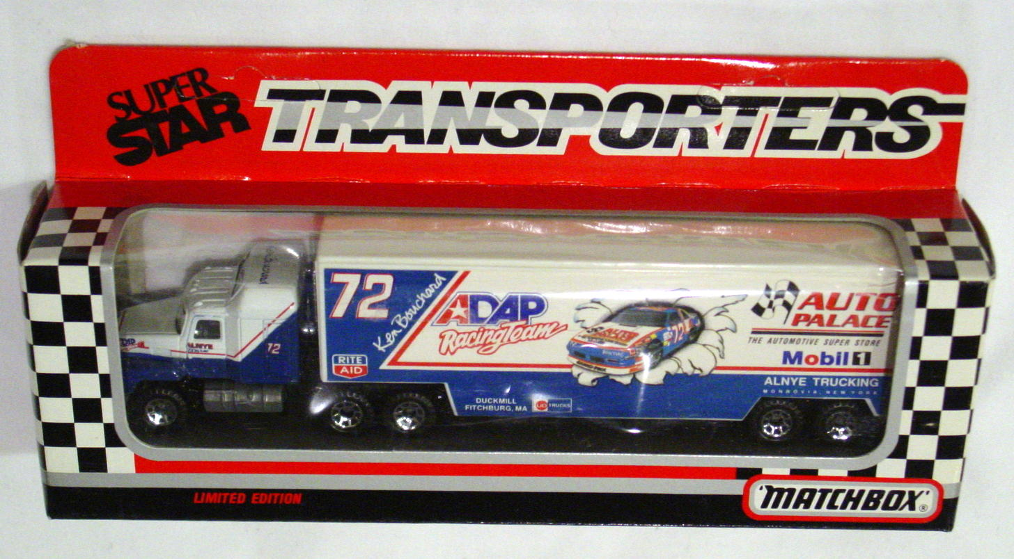 Convoy 107 A 5 - Mack Sup transp White and Blue ADAP/Auto Palace WR