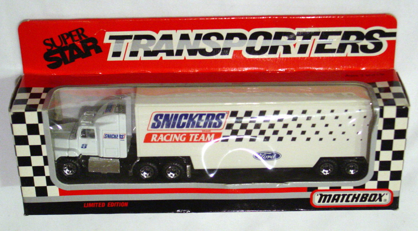 Convoy 109 A 10 - Ford Aeromax Superstar White Snickers Racing Team WR