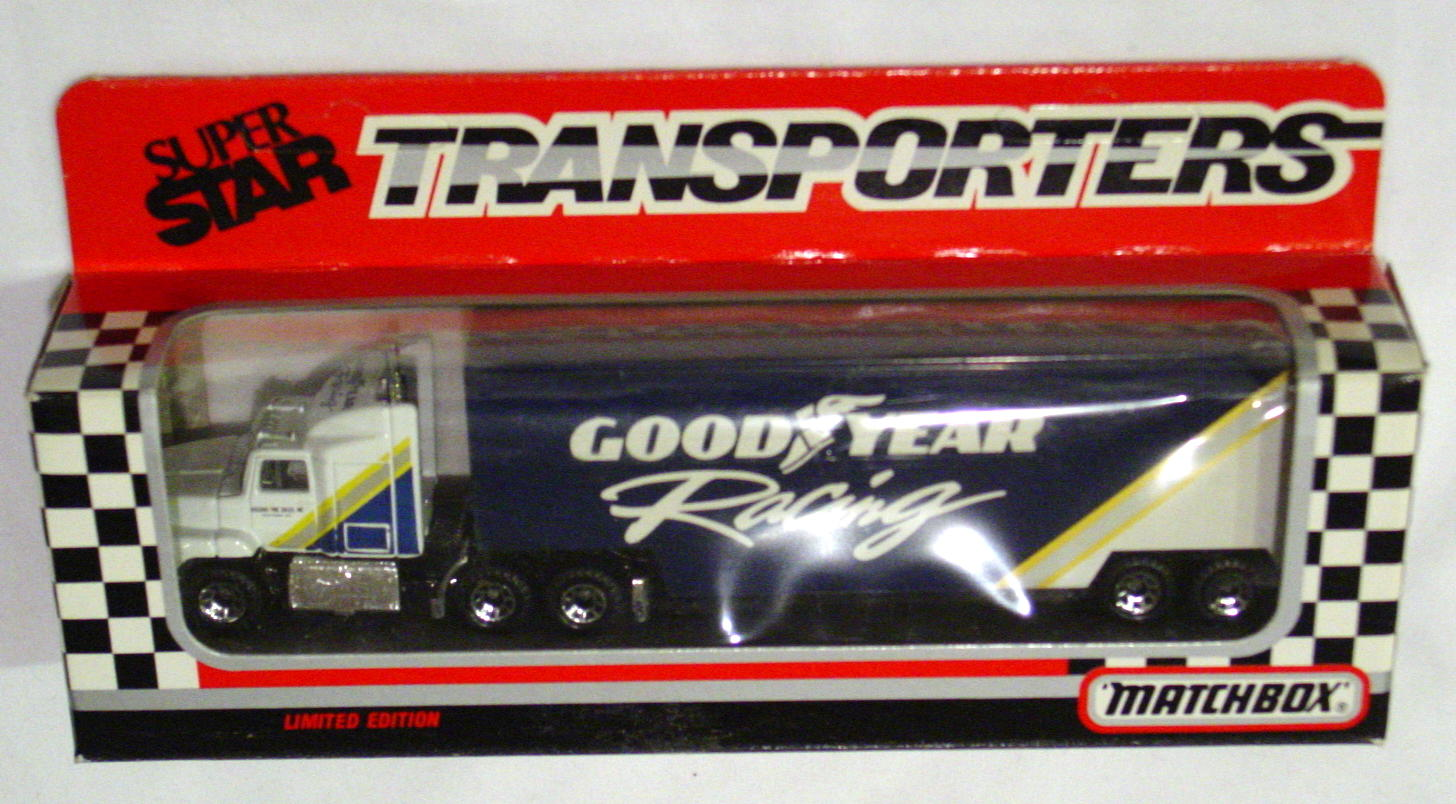 Convoy 109 A 5 - Ford Aeromax Superstar White Goodyear Racing WR