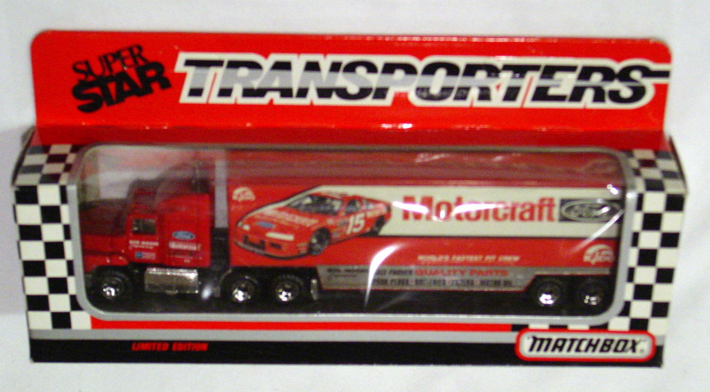 Convoy 109 A 7 - Ford Aeromax Superstar Red Motorcraft WR