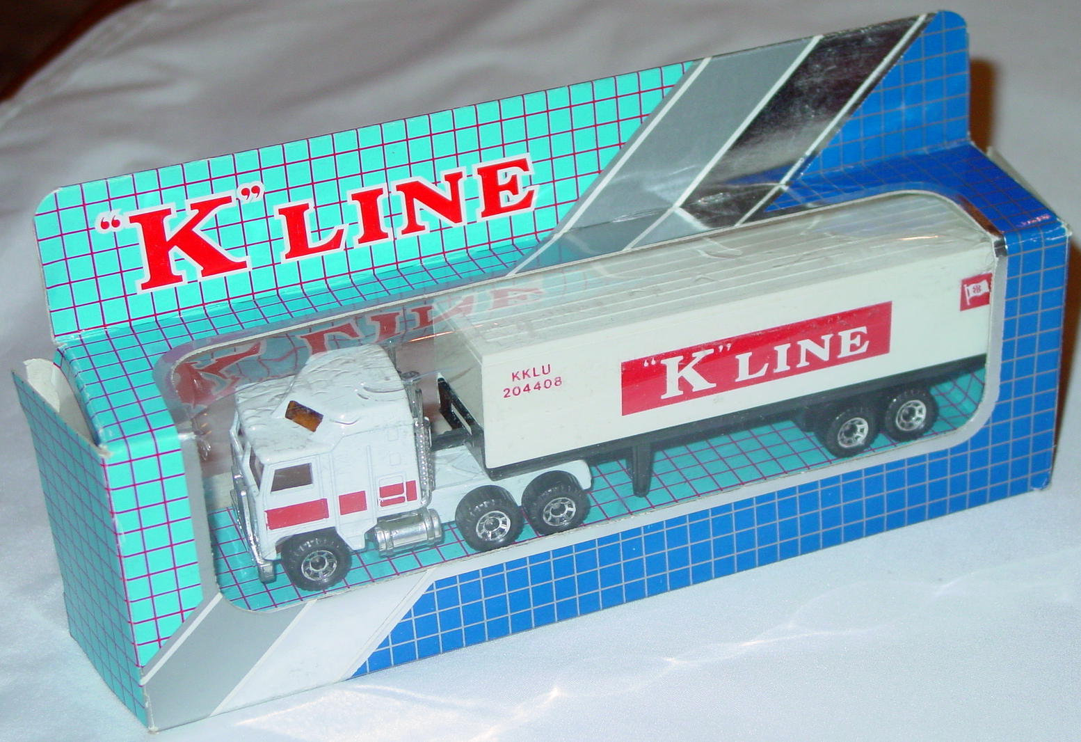 Convoy 08 A 12 - Kenworth Box Truck White cont K-LINE Made in Macau