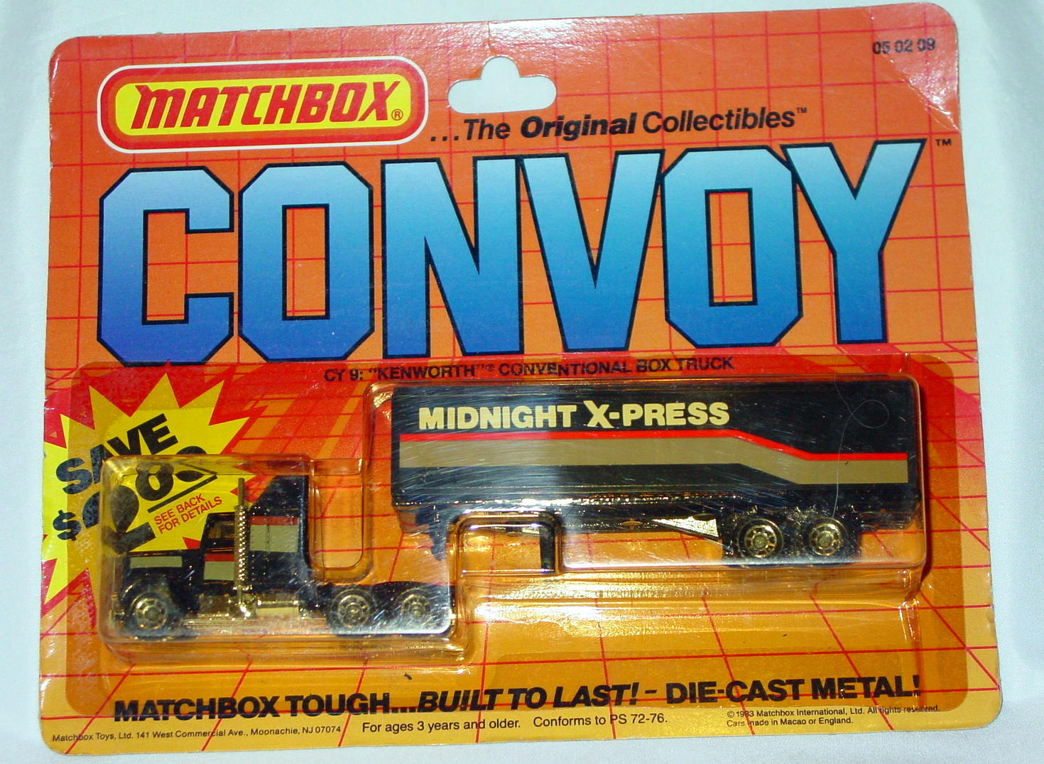 Convoy 09 A 1 - Kenworth Box truck Black 41D Cab clear window MIDNIGHT EXP