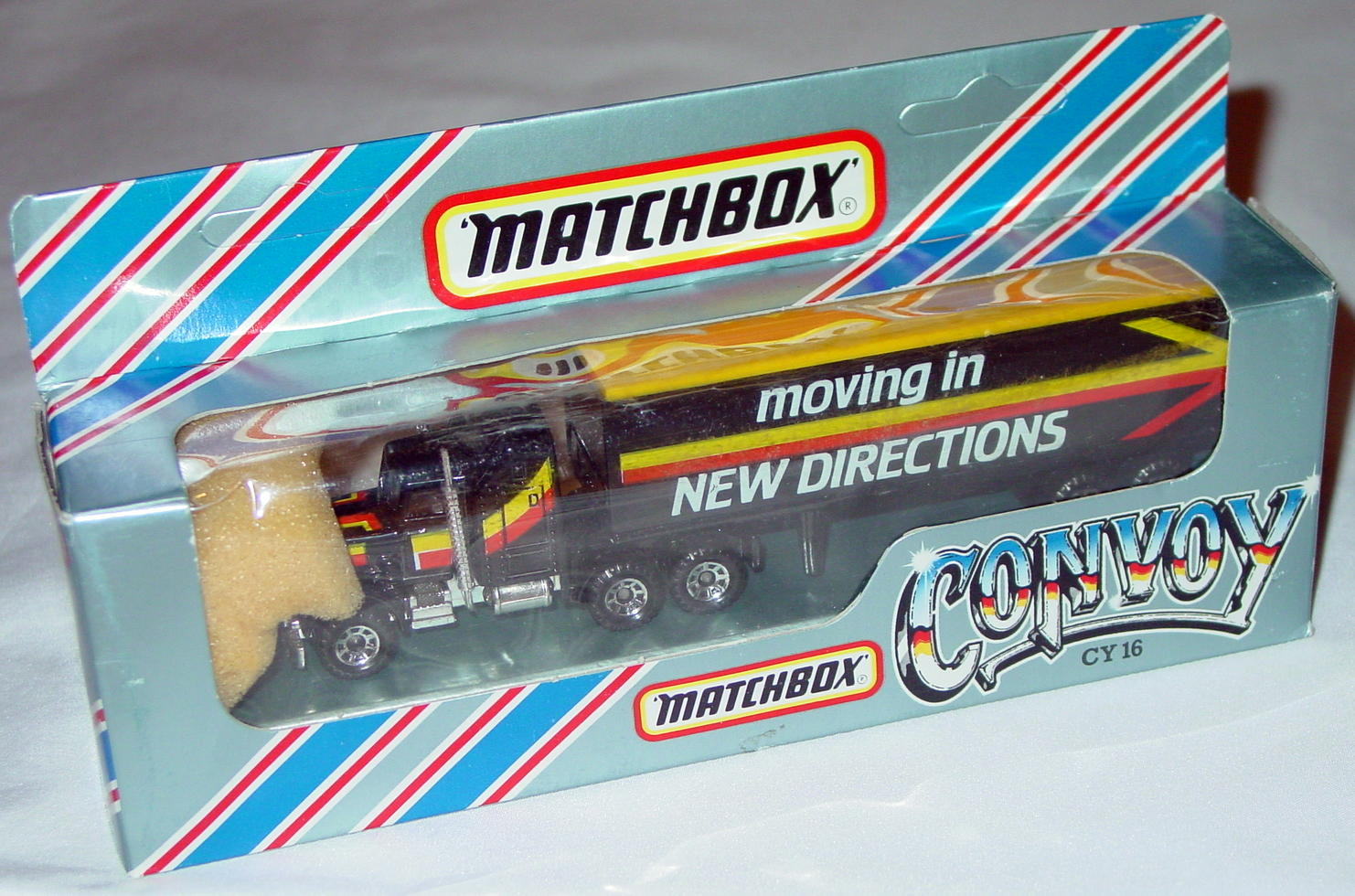 Convoy 09 A 5 - Kenworth Box truck Black Moving in New Directions