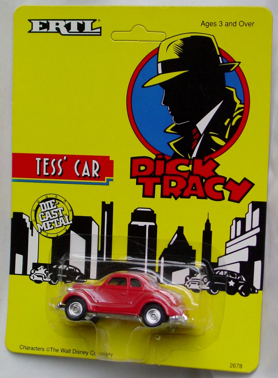 64 - ERTL DICK TRACY Tess Car
