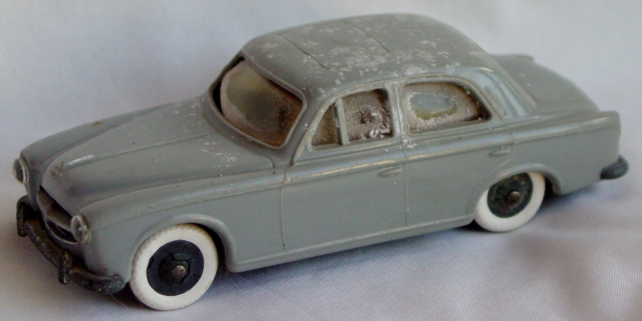 43 - JEP Miniature Peugeot 403 bad windows