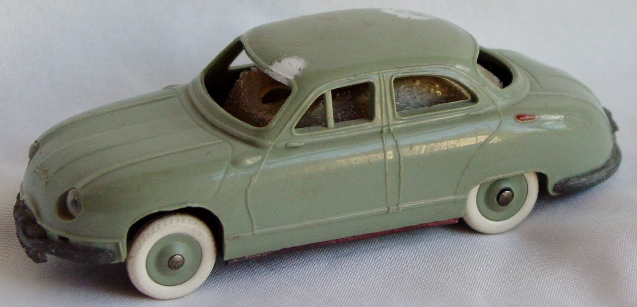 43 - JEP Miniature Dyna Panhard bad windows