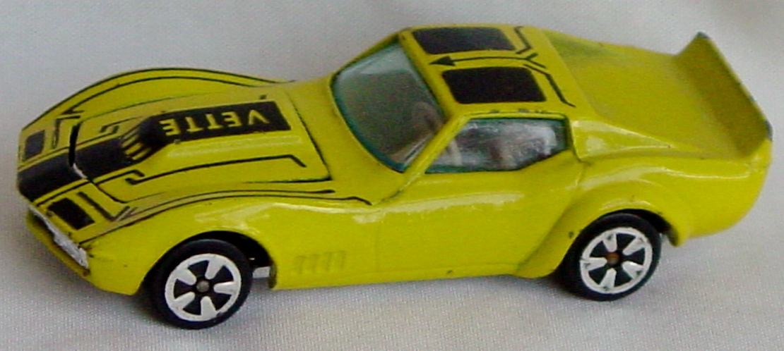 64 - KIDCO Corvette Yellow HK