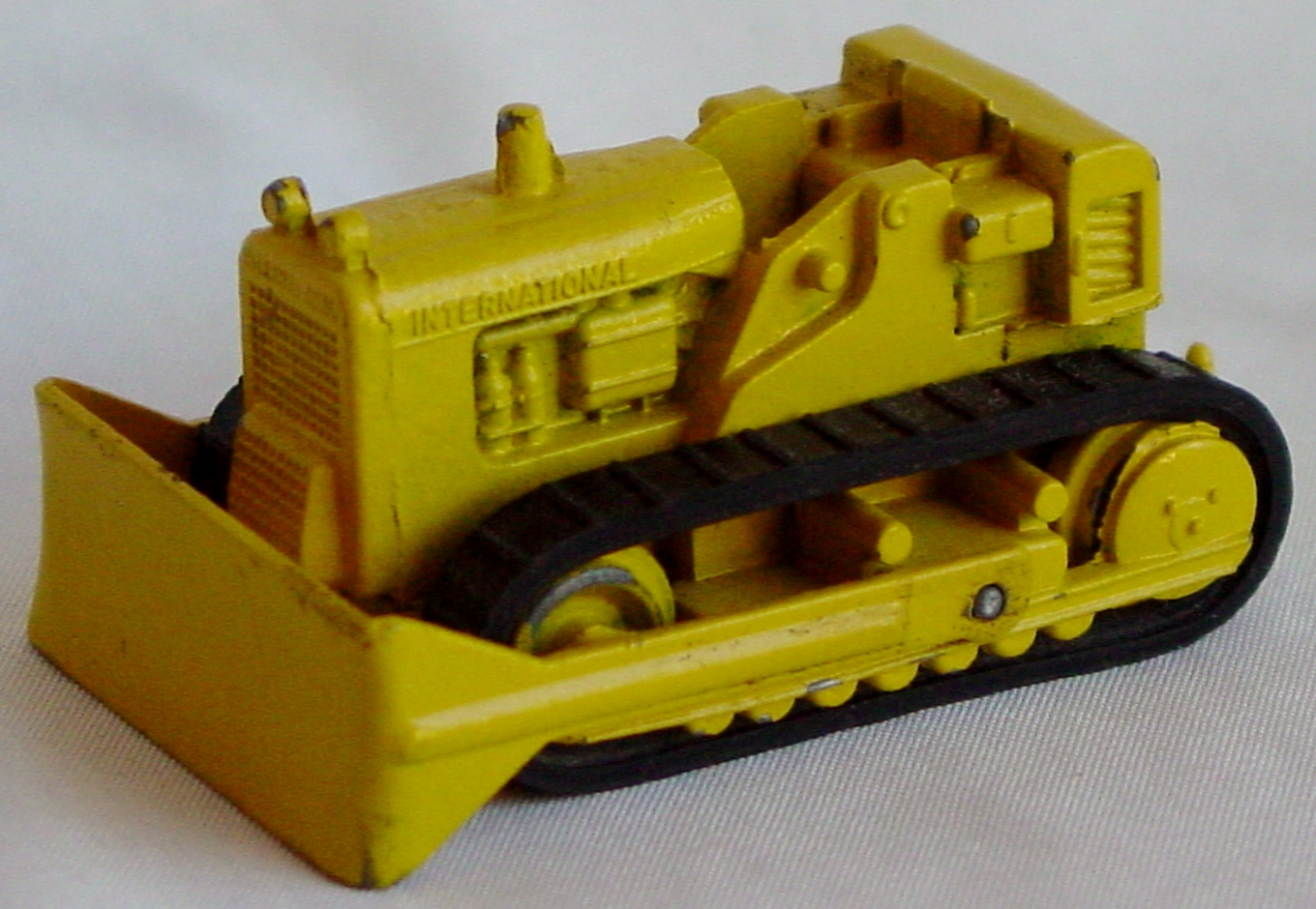 87 - MERCURY Lil Toy 101 Dozer pale Yellow 2 chips