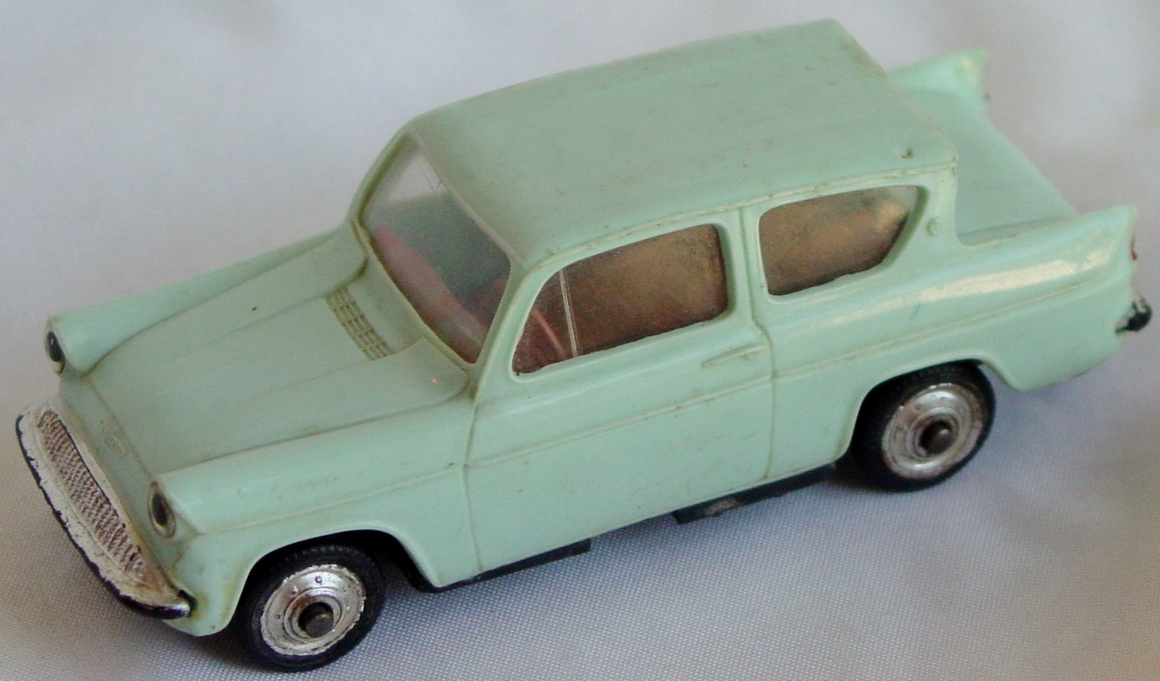 43 - NOREV Ford Anglia pale Teal
